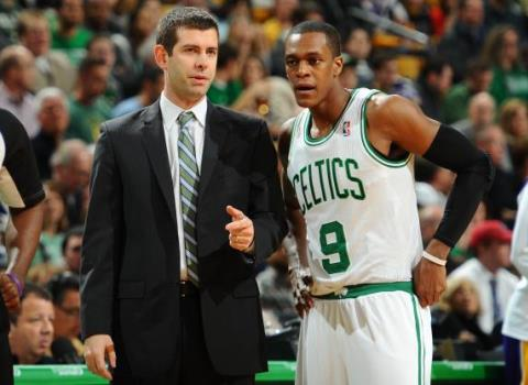 Brad Stevens coaching Celtics player Rajon Rondo