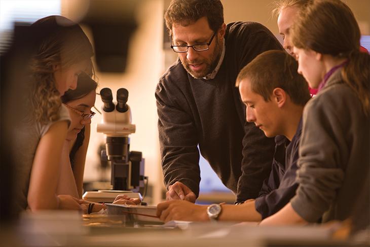Jay Hosler teaching Invertebrate Zoology Lab