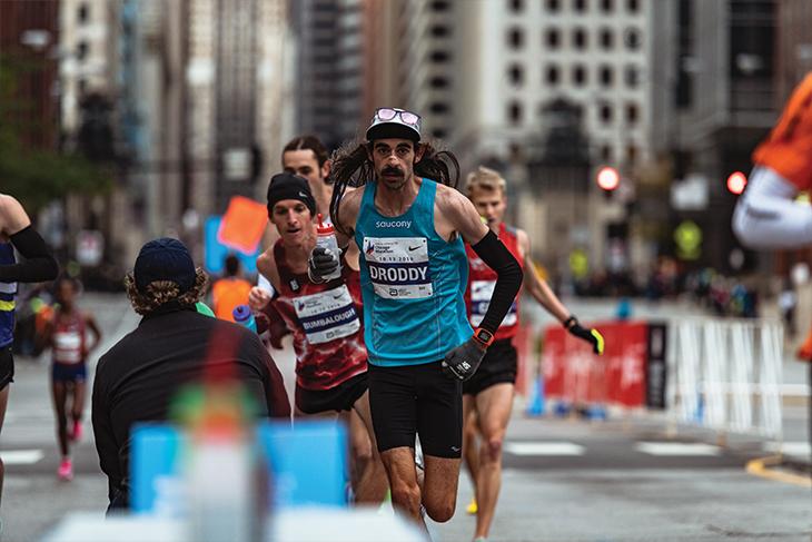 Noah Droddy '13 running the 2019 Chicago Marathon
