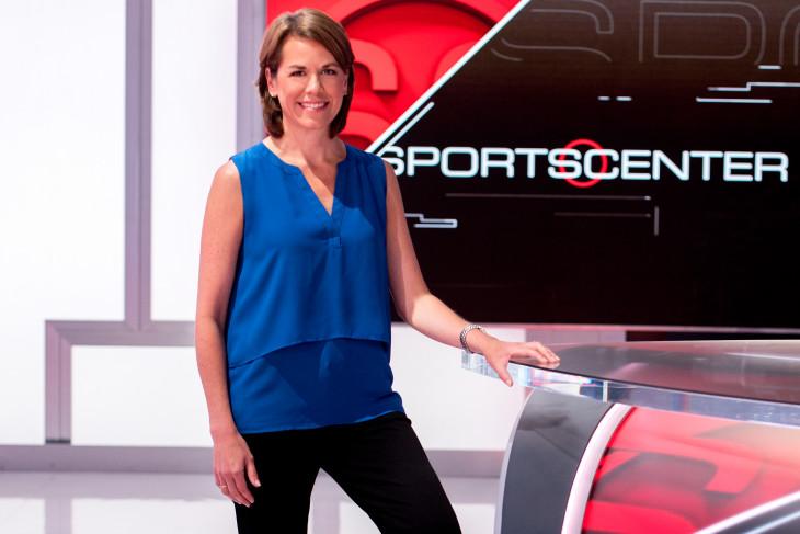 "Jill Frederickson at the ""Sportscenter"" news desk"