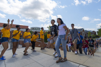 DePauw First student organization members welcoming new students