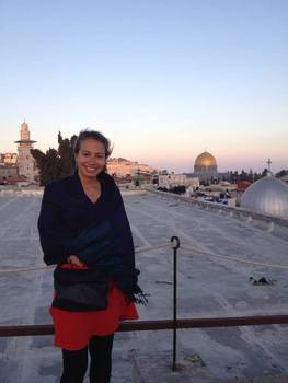 Sandra in front of the Dome of the Rock in Jerusalem