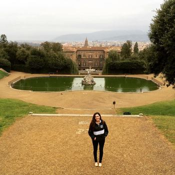 Vanessa at the Pitti Palace in Florence while she was on the Soccer Italy Winter Term last January.