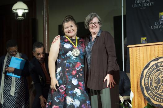 Dr. Anne Harris presents Murad Medal to Abigail Martin '19