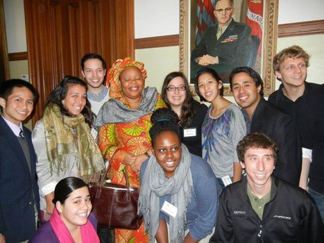 Feministas! & other students meet Leymah Gbowee!