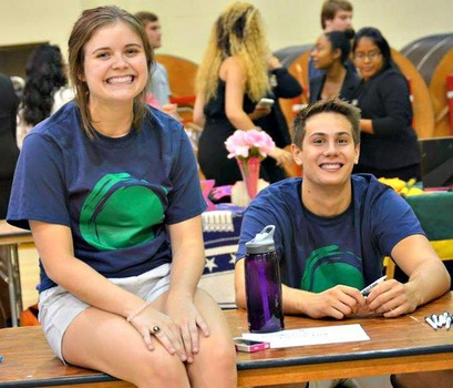 Green Dot student committee members participating in the 2015 Student Activities and Community Service Fair!