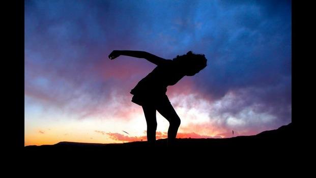 Lauren Arnold: Silhouette Dance