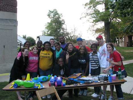 First-Year Resident Assistants at the Black & Gold picnic in South Quad