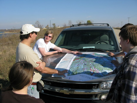 Students with ISGS geologist David Grimley learning about soils and glacial deposits in the Champaign, IL area.