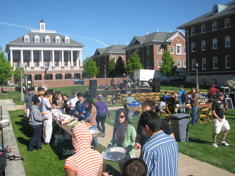 Residents participate in the Ubben Quad Barbecue program hosted by Community Resource Assistants