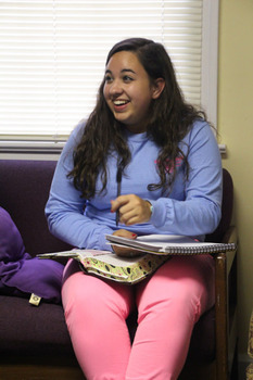 Sophomore Kailyn Weiss studies the Gospel of John at an InterVarsity small group.