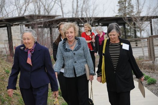 Janet (center) with Anne Mossberg Hillman '52 (left) and Nancy Temple '58 (right) at the Undergraduate Ethics Symposium