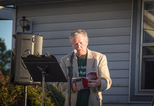 Rodney Jones reads poetry at the 2013 Farm Dinner