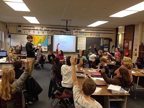 Samuel Caravana teaches an elementary Italian class.