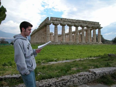 Student Report at Temple of Hera I, Poseidonia