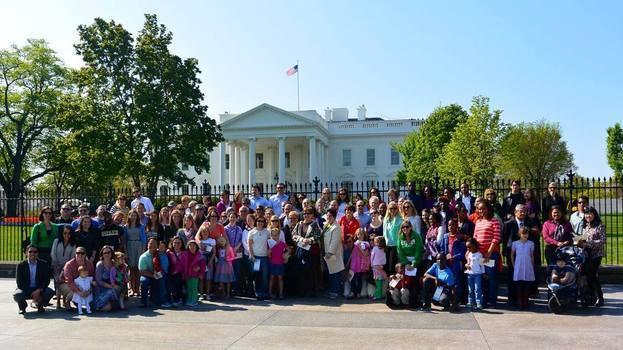Washington, D.C. alumni at the Spring Garden Tour at the White House