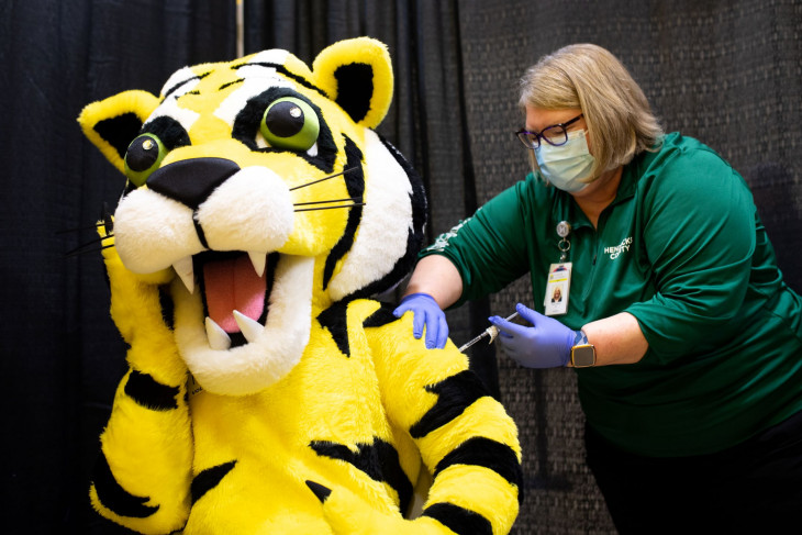 Tyler the Tiger gets his COVID vaccine