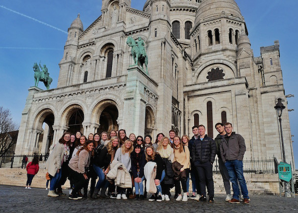 Students in front of the Sacre-Coeur in Paris