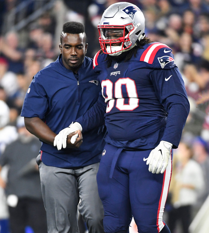 Michael Akinbola is an NFL physical therapist .