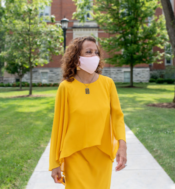 Dr. White wears a mask on campus