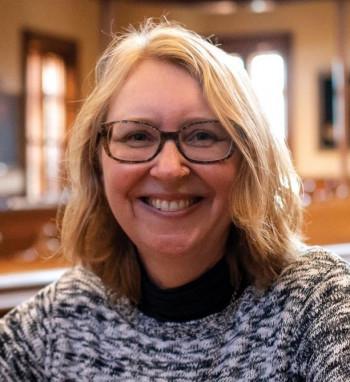 Professor Jen Adams portrait