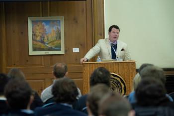Tom Kominsky speaking to students in 2019
