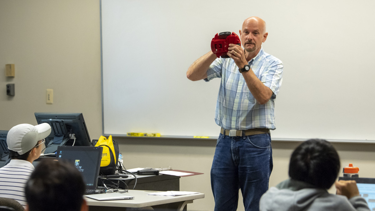 No R2D2, but robots make first computing class fun