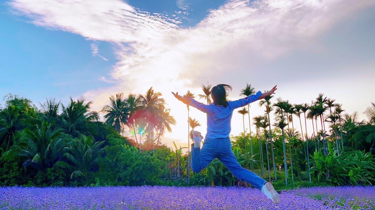 Jumping subject by Jiayi Wang '24