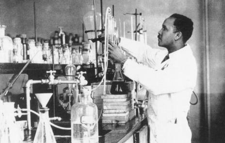 Julian in lab