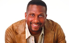 Tavis Smiley to Address Class of 2016 at Commencement
